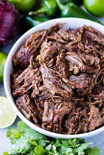 Slow-cooker Beef Barbacoa - 2015 Norton Estate Bottled